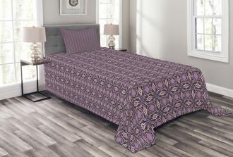 Curvy Edged Squares Bedspread Set