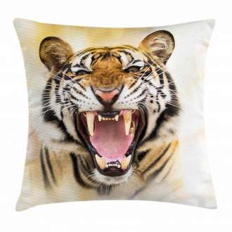 Young Panthera Growling Pillow Cover