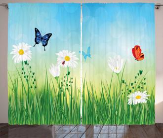 Meadow Daisies Grass Curtain