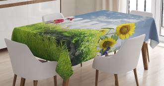 Daisy Flowers in Yard Tablecloth