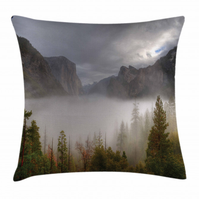 Valley Yosemite in Fall Pillow Cover