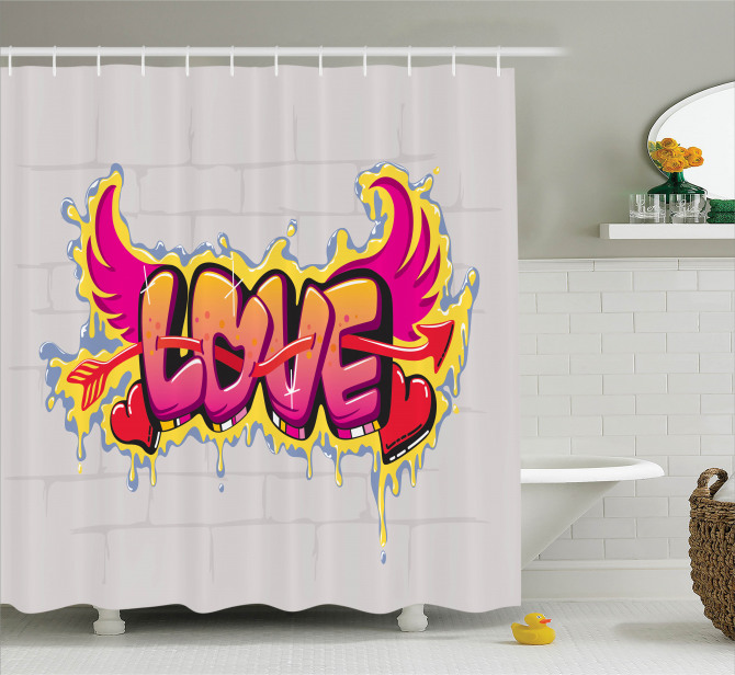 Grafiti Etkili Duş Perdesi Aşk ve Kanatları Temalı