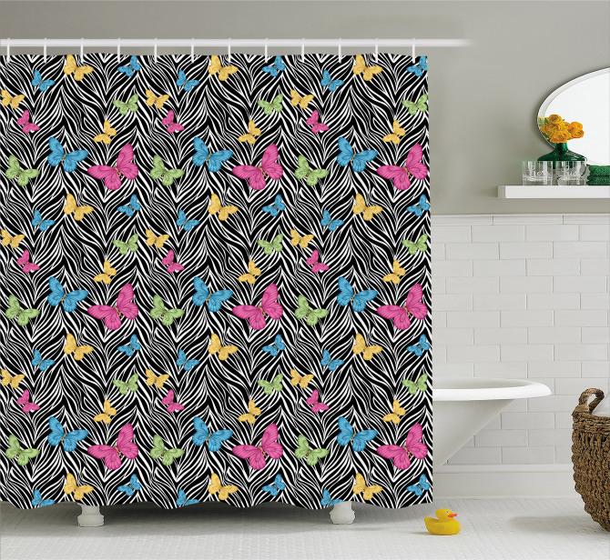 Zebra Desenli Duş Perdesi Rengarenk Kelebekler