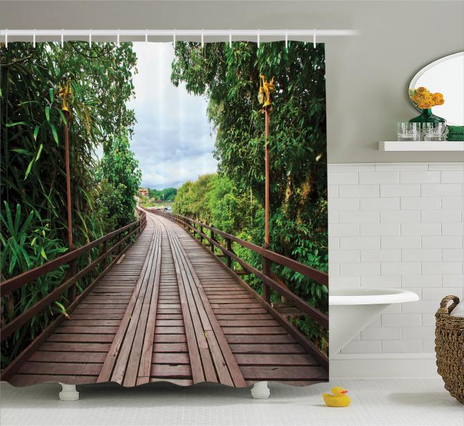 Doğada Yolculuk Temalı Duş Perdesi Ahşap Köprü Yeşil