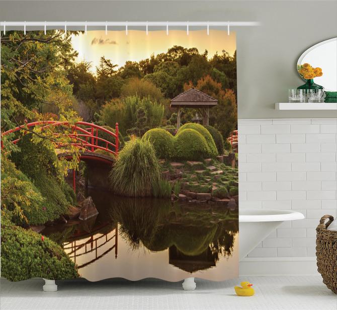 Japon Bahçesinde Gün Batımı Desenli Duş Perdesi Göl