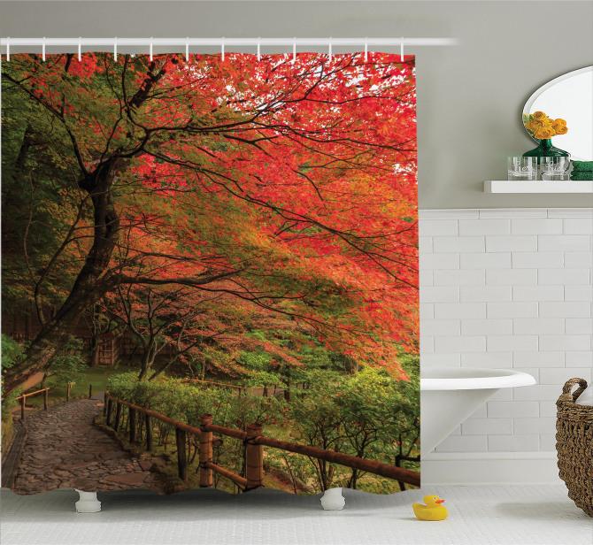 Doğada Yürüyüş Temalı Duş Perdesi Bahar Yaprakları