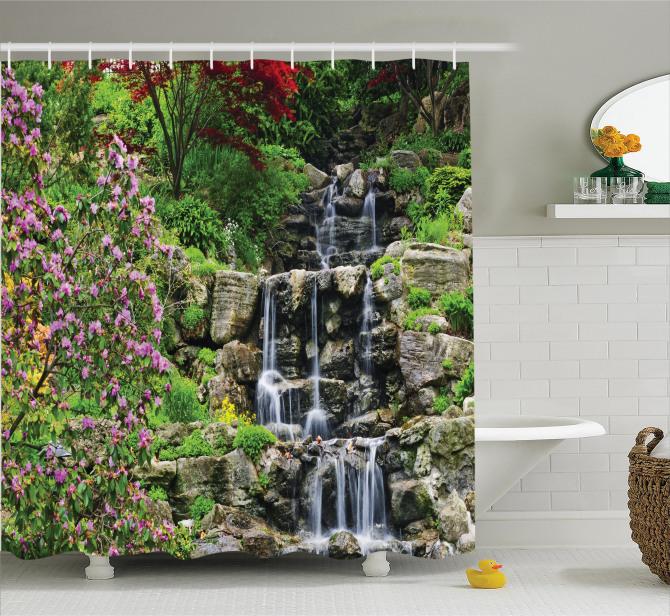 Şelale Manzaralı Duş Perdesi Bahar Çiçekleri Yeşil