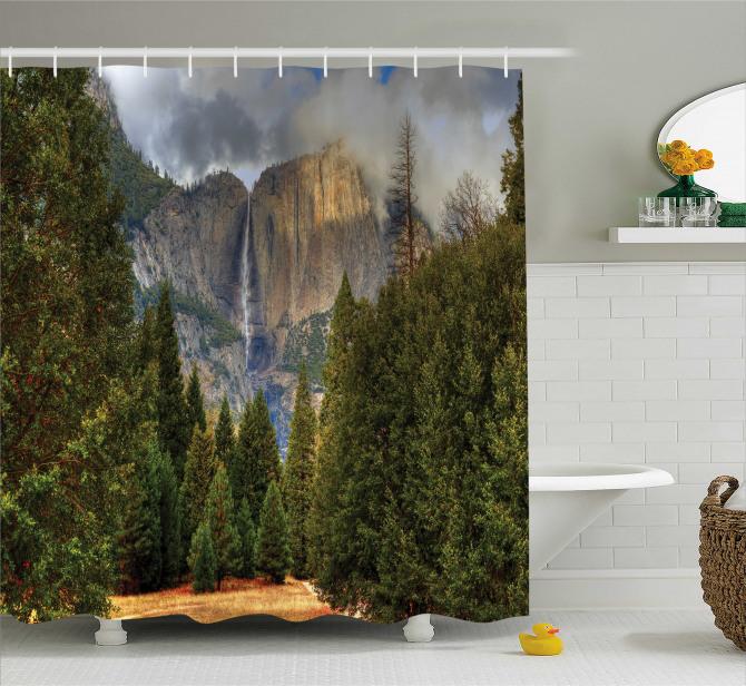 Şelale Manzaralı Duş Perdesi Dağ Orman Yeşil Doğa