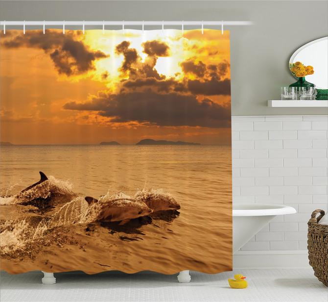 Gün Batımı Okyanusta Yunuslar Duş Perdesi Turuncu