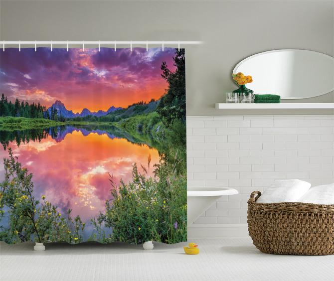 Nehirde Kızıl Gün Batımı Manzaralı Duş Perdesi