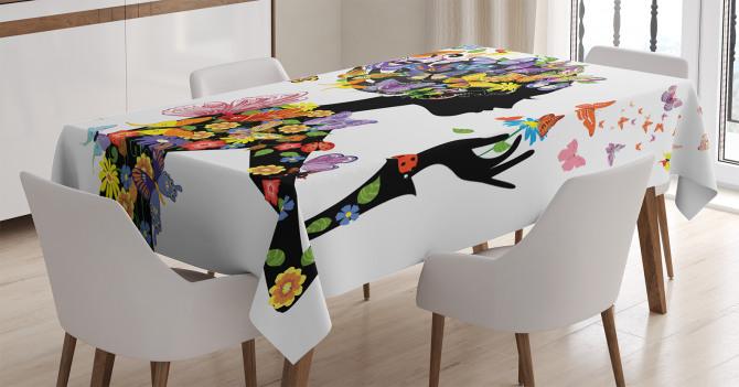 Kelebekli Kız Desenli Masa Örtüsü Rengarenk Trend