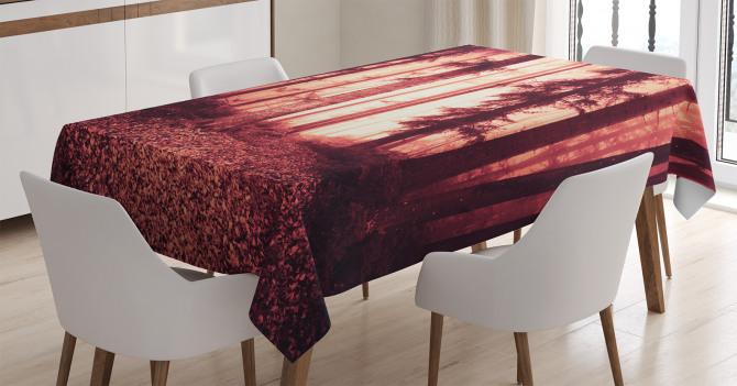 Orman ve Dökülmüş Yaprak Temalı Masa Örtüsü Kırmızı