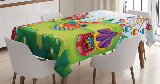 Lunaparkta Palyaçolar Desenli Masa Örtüsü Rengarenk