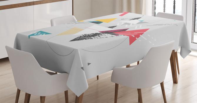 Modern Üçgen ve Çember Desenli Masa Örtüsü Dekoratif