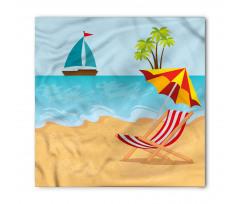 Ada Bandana Denizdeki Tekne ve Plajdaki Şezlong ile Şemsiye