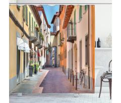 Avrupa Duş Perdesi Kuzey İtalya Pastel Binalar