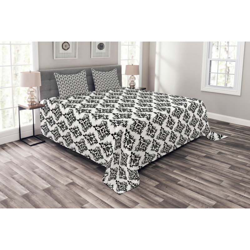 Black and White Baroque Bedspread Set