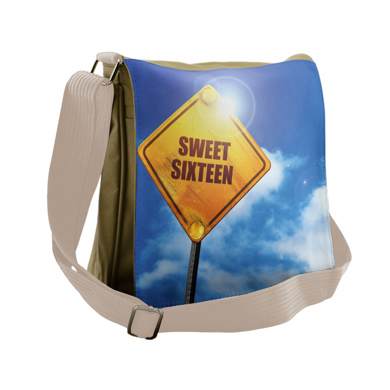 16 Road Messenger Bag