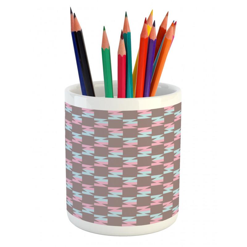 Abstract Arrow Design Pencil Pen Holder