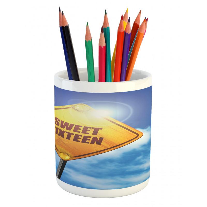16 Road Pencil Pen Holder
