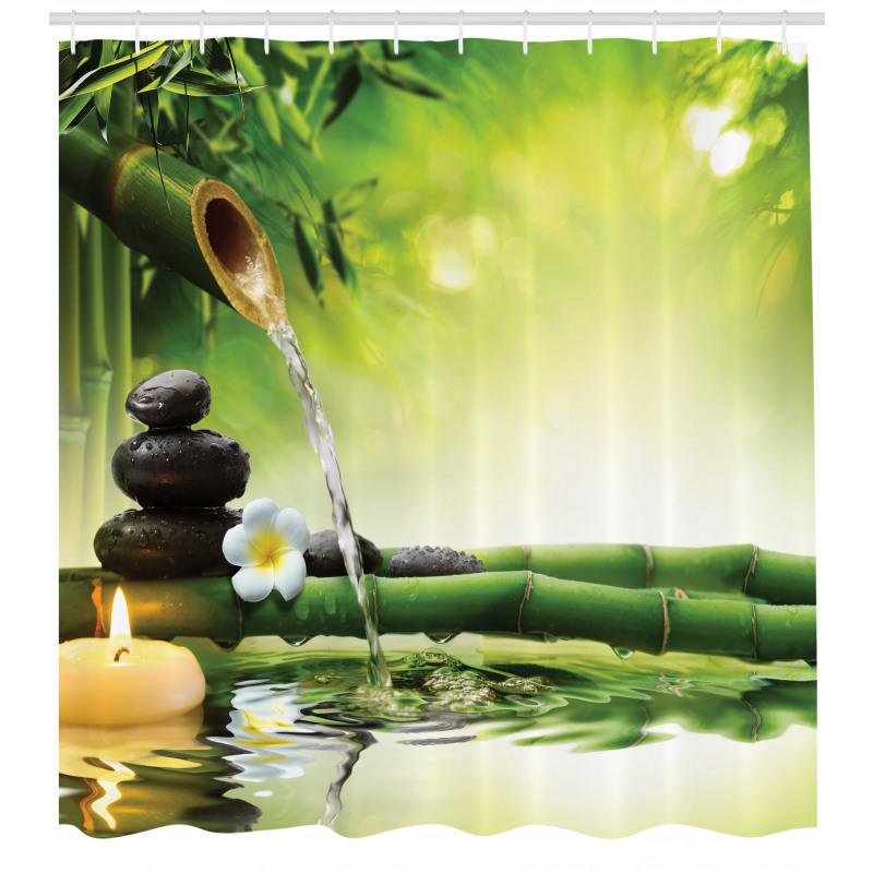 Çiçekli Duş Perdesi Bambudan Akan Su